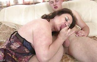 Aleska Diamond film porno amateur gay se fait étirer la chatte