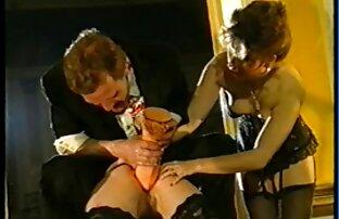 Brunette chaude baisée devant vidéo hot amateur la caméra