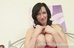 Le plaisir anal de amateur mature gratuit Claudia et Melissa!