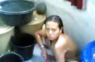 Blonde rasée fume une cigarette et baise à l'extérieur videos sexes amateurs gratuites
