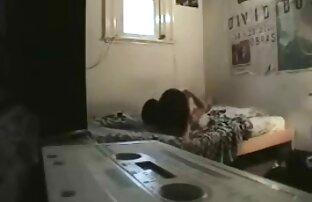 La chatte poilue chaude de jolie video sexe amateur française fille japonaise aux gros seins baisée.