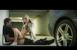 Une MILF allemande maigre se fait baiser par une double équipe site video x amateur au lit