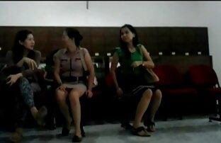 Une brune guillerette se fait prendre en public pour film erotic amateur une baise rapide