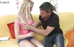 La sex arab amateur gratuit superbe blonde sexy Anna pose sans vergogne